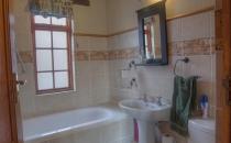 Klipspringer bathroom