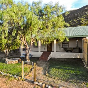Grysbok Self Catering Cottage Ladismith