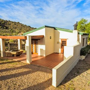 Steenbok Self Catering Cottage Ladismith