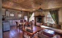 Springbok lounge kitchen